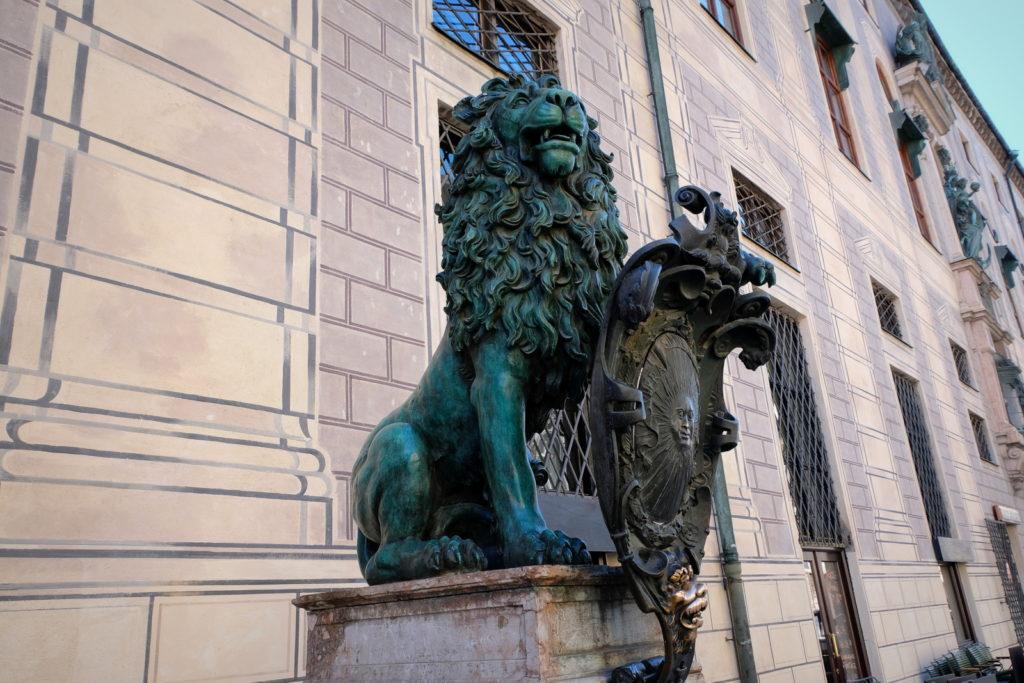 Мюнхен скульптуры
