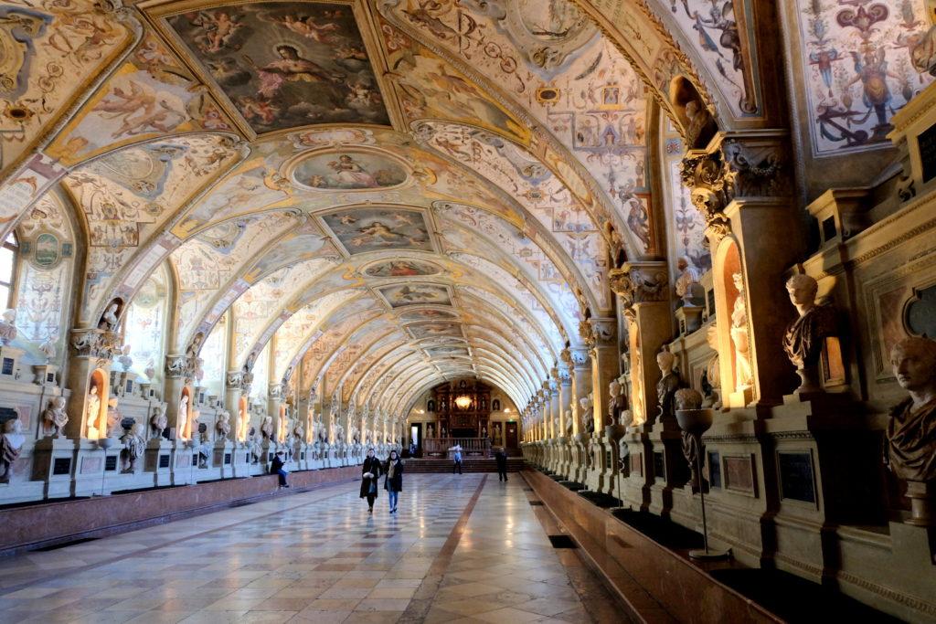 Мюнхен дворец