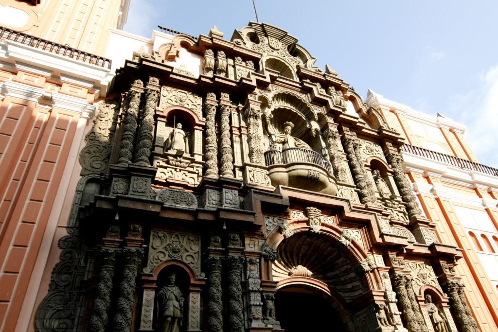 церкви Лимы