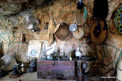 Внутренняя обстановка пещеры