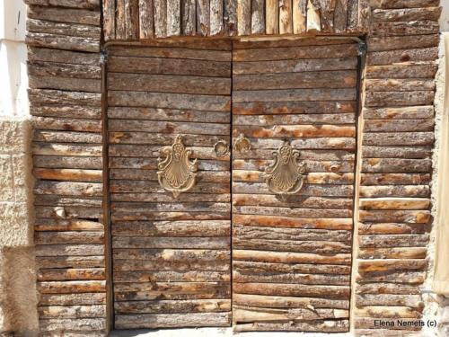 Красивая дверь